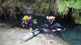Bahamas 2013, Abaco, Dans Cave, after the amazing dive to Fangorn...